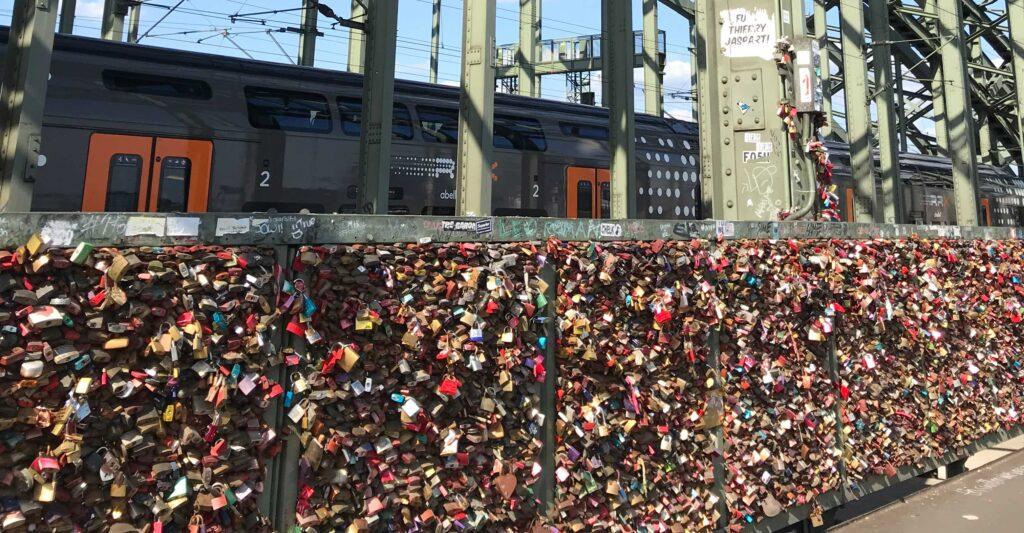 Hængelås på broen over Rhinen, Køln.